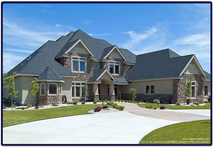 Luxury custom home picture over 4500 square feet for Custom homes photos